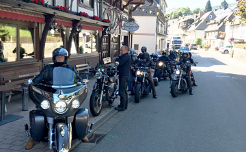 Motorrad Treffen vor dem Sauerländer Hof in Willingen