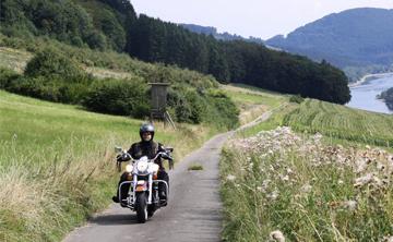 Motorradtour mit Blick auf den Edersee